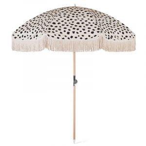 wood-pole-beach-umbrella-with-fringe (1)